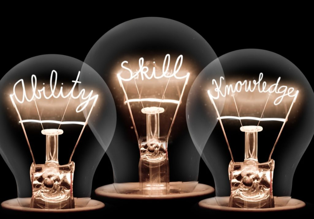 light-bulbs-concept-picture-id1015425392